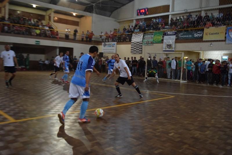 Cerca de mil pessoas presentes no  Futsal Solidário