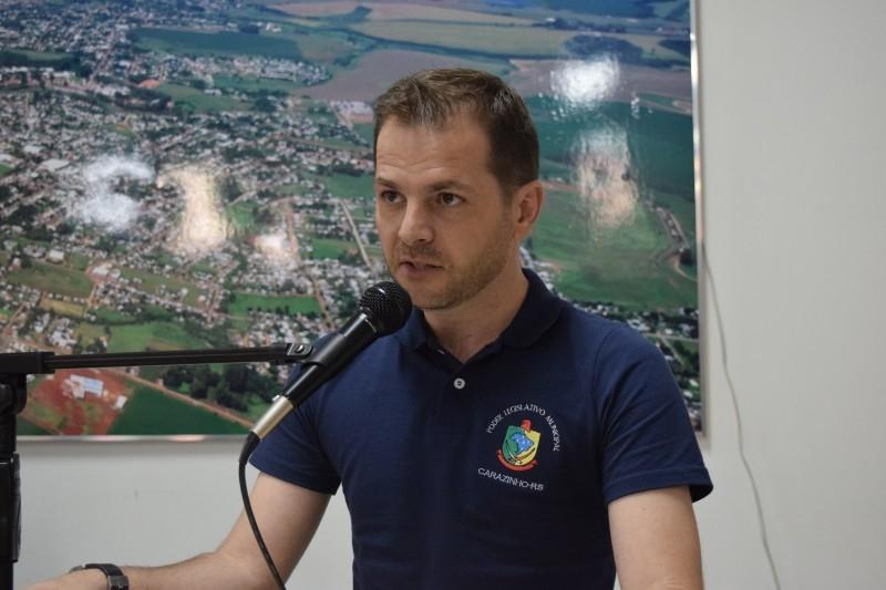 Vereador busca solução para empresas notificadas por irregularidade pelo DAER