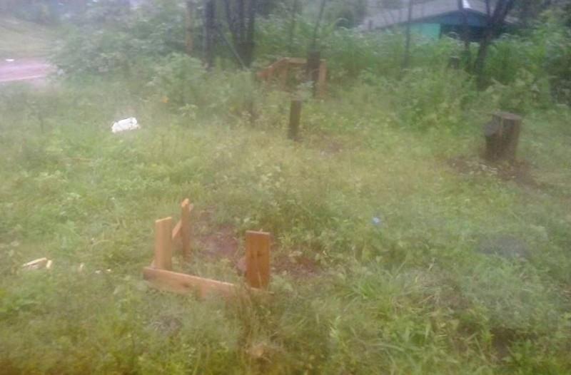 Vereadores recebem denúncia de irregularidades no bairro Santa Terezinha