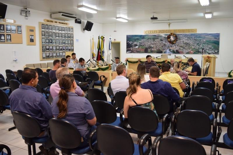 Reunião define por derrubar o veto do prefeito