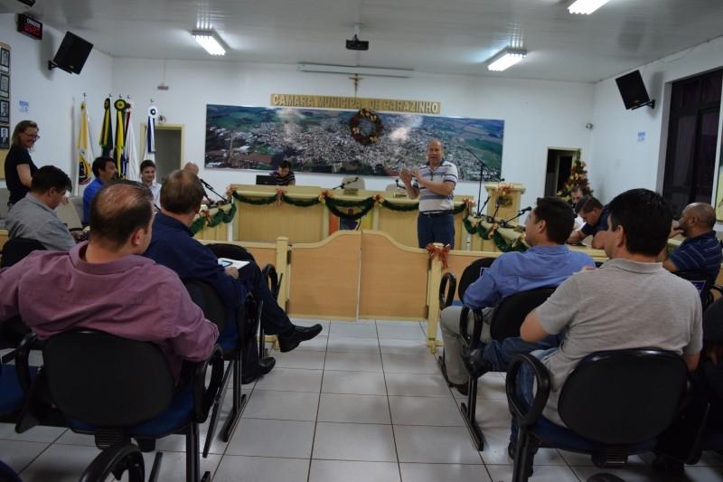 Câmara apresenta proposta a sociedade civil organizada