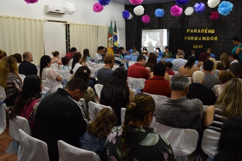 Vereadores são padrinhos de alunos da EMEF Professor Políbio do Vale