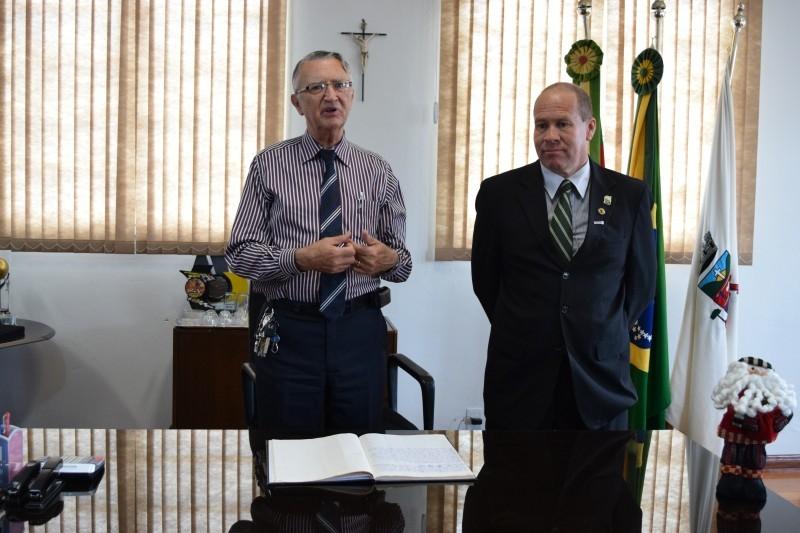 Paulino assume como prefeito em exercício