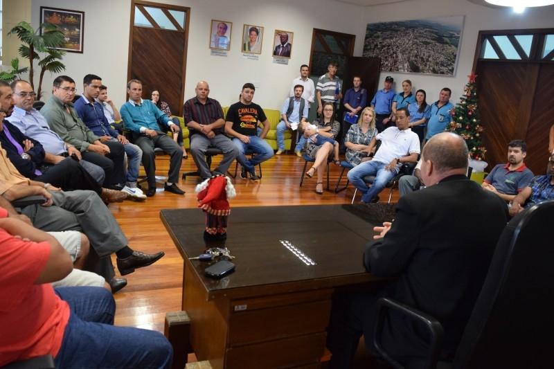 Vereadores participam de ato com prefeito em exercício