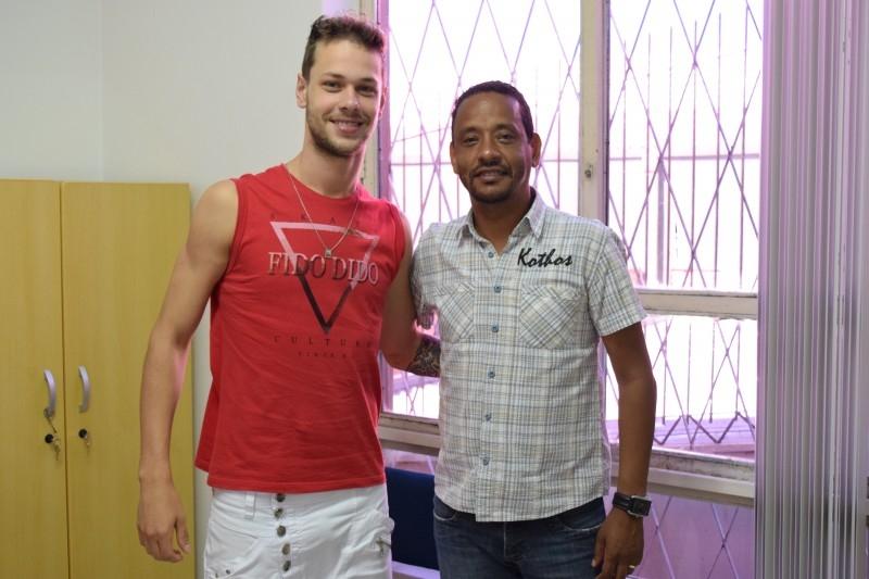 Vereador Alaor recebe visita de seu ex-atleta Antônio Bagatini