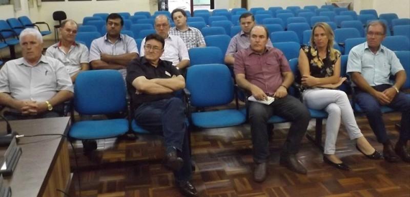 Gauchinho participa de reunião mensal da Ascamaja