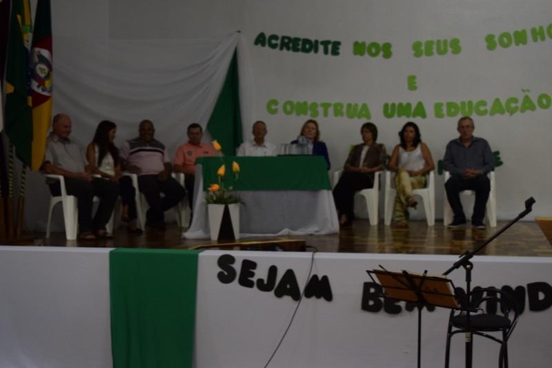 Gauchinho participa de recepção a prefessores e funcionários da rede municipal