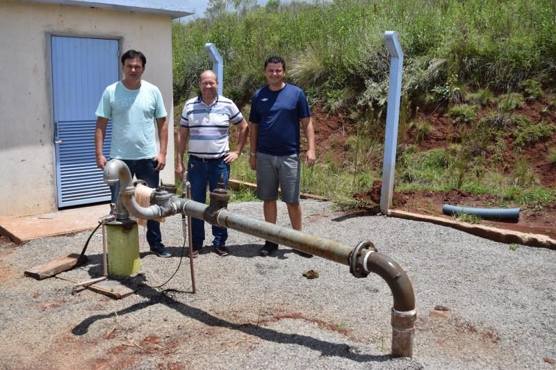 Alaor verifica denúncia de criadouro de dengue no município