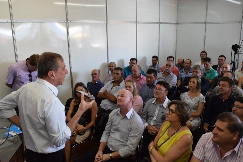 Gauchinho participa de evento da Telebras na Expodireto