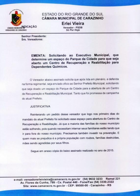 Vereador entrega abaixo-assinado que pede por clínica de reabilitação