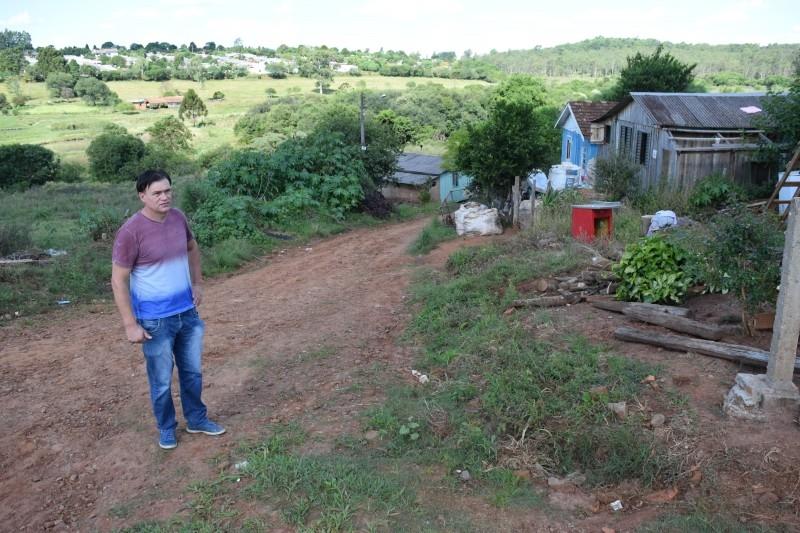 Moradores reclamam de abandono do bairro Santa Terezinha
