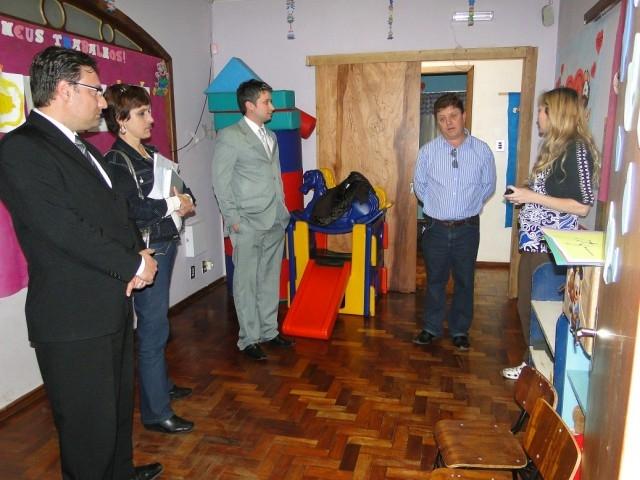 CPI  DÉFCIT NA EDUCAÇÃO -  Vereadores realizam visitas às escolas municipais
