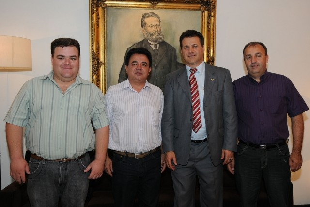 Vereadores buscam recursos para o HCC em Porto Alegre.