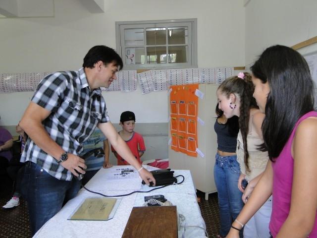 Vereador Erlei visita Mostra Científica Cultural das Escolas Municipais.