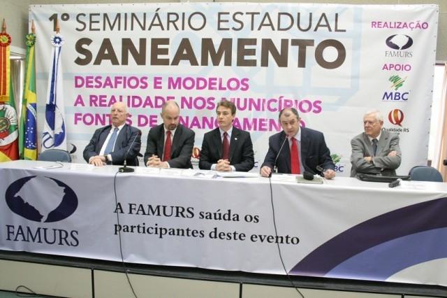 Vereadores vão a Porto Alegre buscar subsídios para votação do Projeto da Corsan.