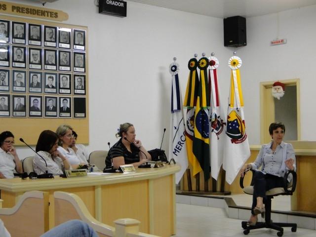 A Presidente Reúne todos os Funcionários do Legislativo e dá Início aos Trabalhos do Ano de 2011.