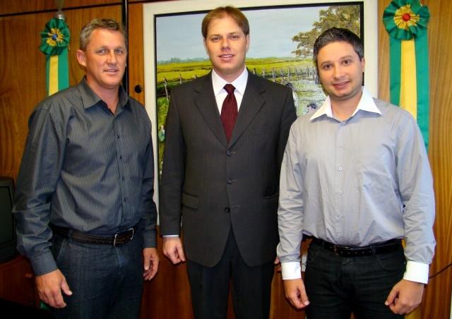 Jarré  Participa de Reunião com o Deputado Estadual Lucas Redecker