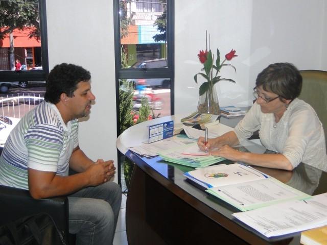 Presidente do Legislativo Recebe Carlos Burgel representante da Conesul