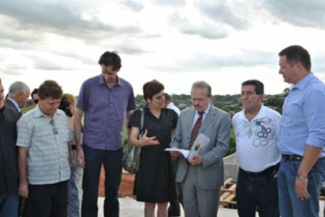 Projeto para instalação da Delegacia da Mulher é entregue ao Governador Tarso Genro