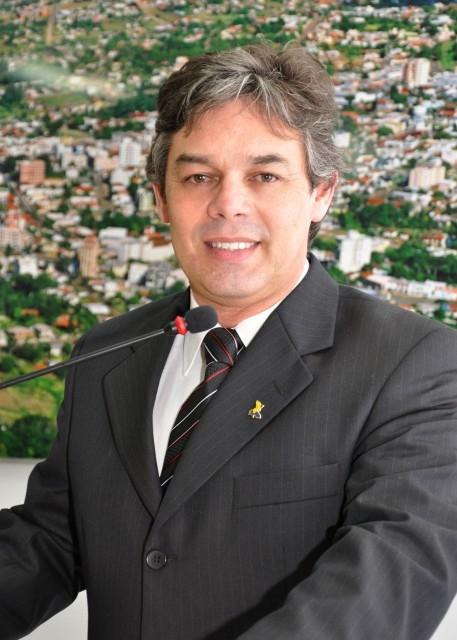 Vereador Élbio Assume Interinamente a Presidência do Legislativo