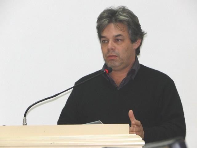 Élbio Esteve demonstra preocupação com a Medicação Distribuída pelo Município