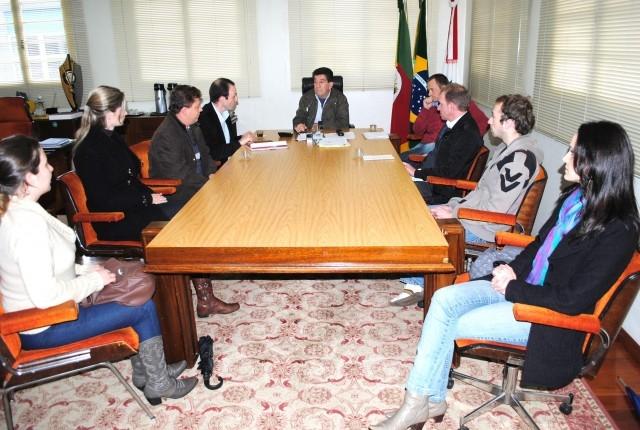 Vereador Leandro Adams participou de reunião que discutiu a Consulta Popular 2011