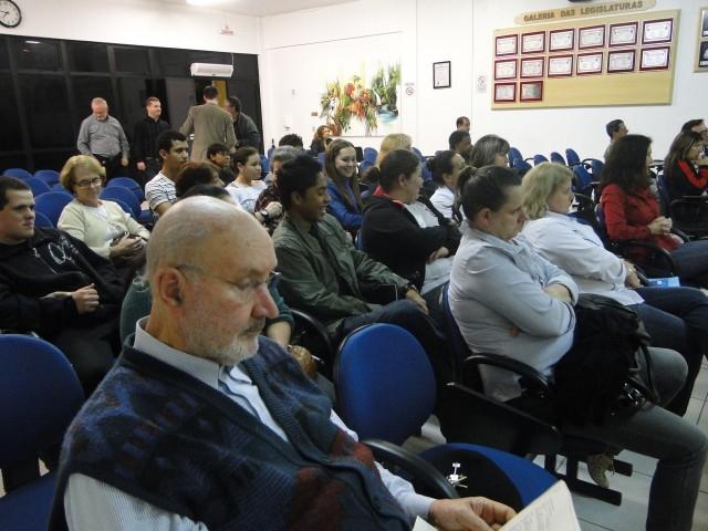 Tribuna Livre – Participação da Escola Ernesta Nunes