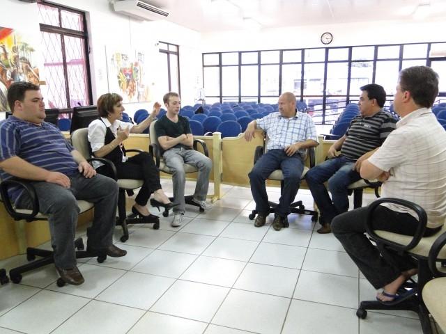 Vereadores recebem informações acerca da LDO 2012
