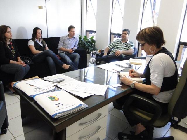 Comissão Constituinte do TMA visita o Poder Legislativo