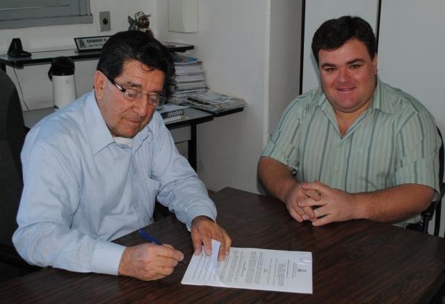 Estevão de Loreno acompanhou a sanção da Lei que disciplina a atividade dos motoboys