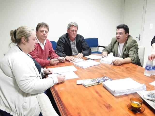 Iniciaram  os trabalhos da Comissão Parlamentar de Inquérito que irá apurar irregularidades na Coleta de Lixo