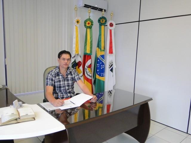 Presidente Erlei Vieira promove acordo para votação do orçamento