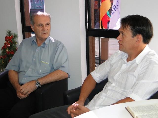 Presidente do Legislativo recebe ex-prefeito