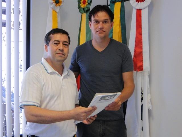 Deputado Ronaldo em visita  Câmara Municipal