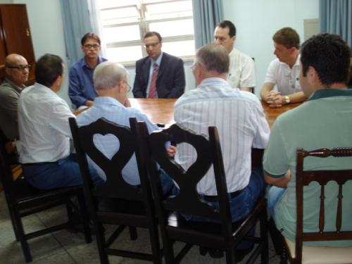 Vereadores buscam apoio do HCC para implantação de clínica para dependentes químicos