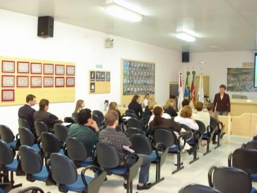 Vereadora quer criar o Conselho Municipal da Mulher