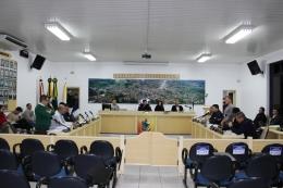 Tomate e João Pedro manifestaram contra o veto do prefeito ao projeto dos fraldários