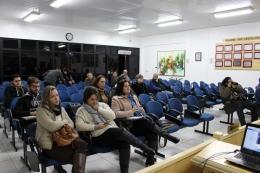 Vereadores acompanharam a sessão