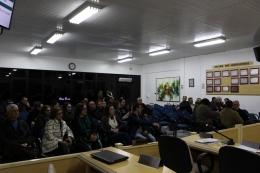 Público acompanhando a sessão