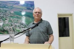 vice-presidente da Associação dos Idosos de Carazinho, Verno Knop, na Tribuna Livre