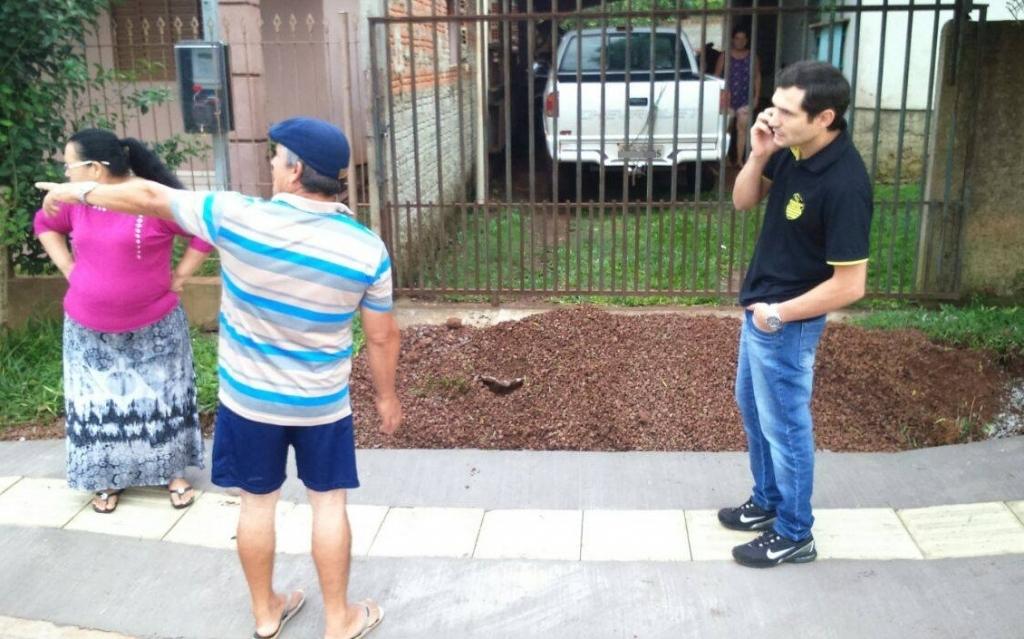 Vereador fiscaliza problemas no passeio público no bairro Planalto