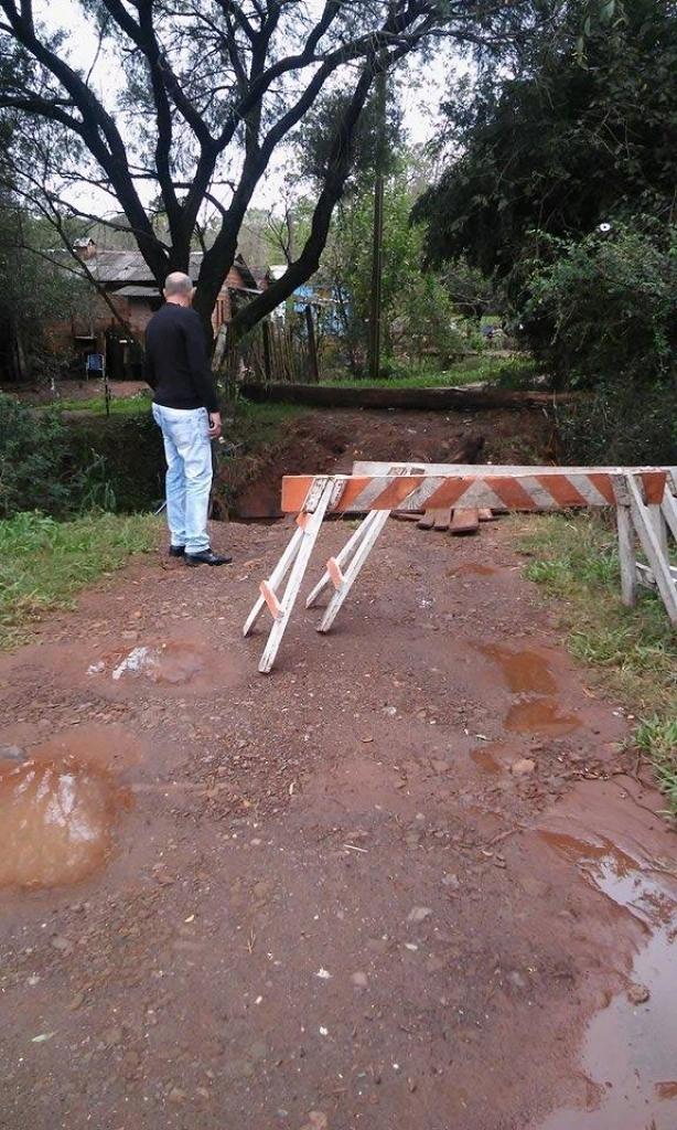 Moradores pedem melhorias em ponte no Beco da Cuiabá