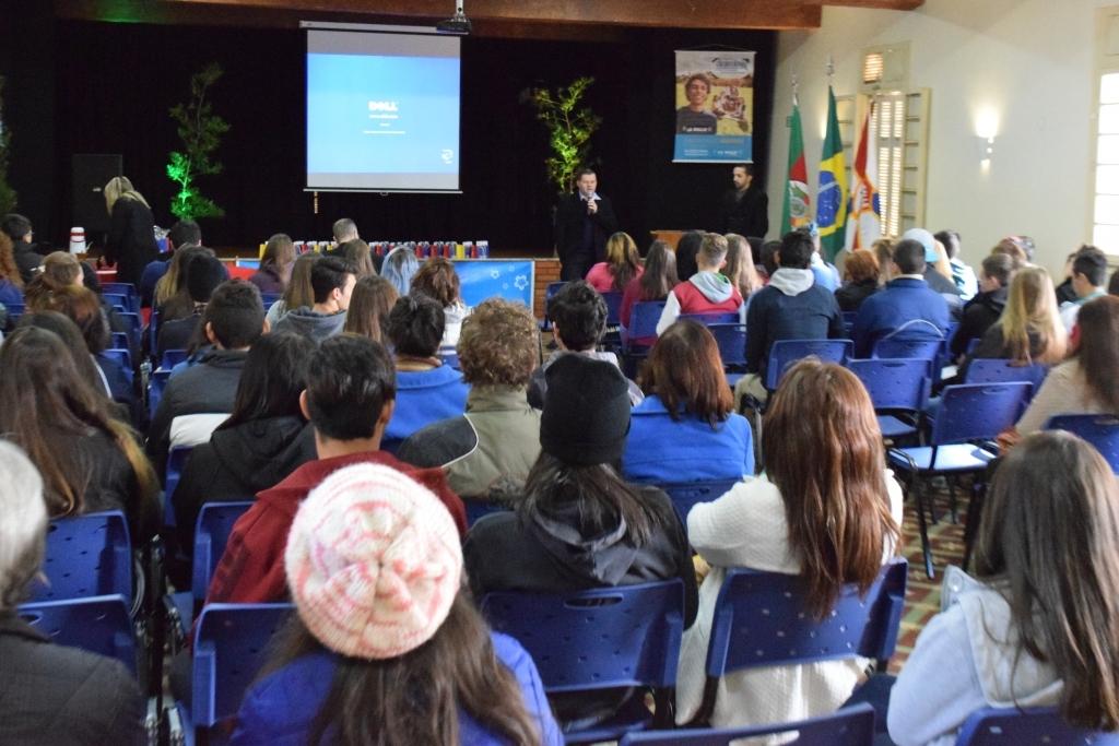 Câmara participa do 1º Encontro de Grêmios Estudantis de Carazinho