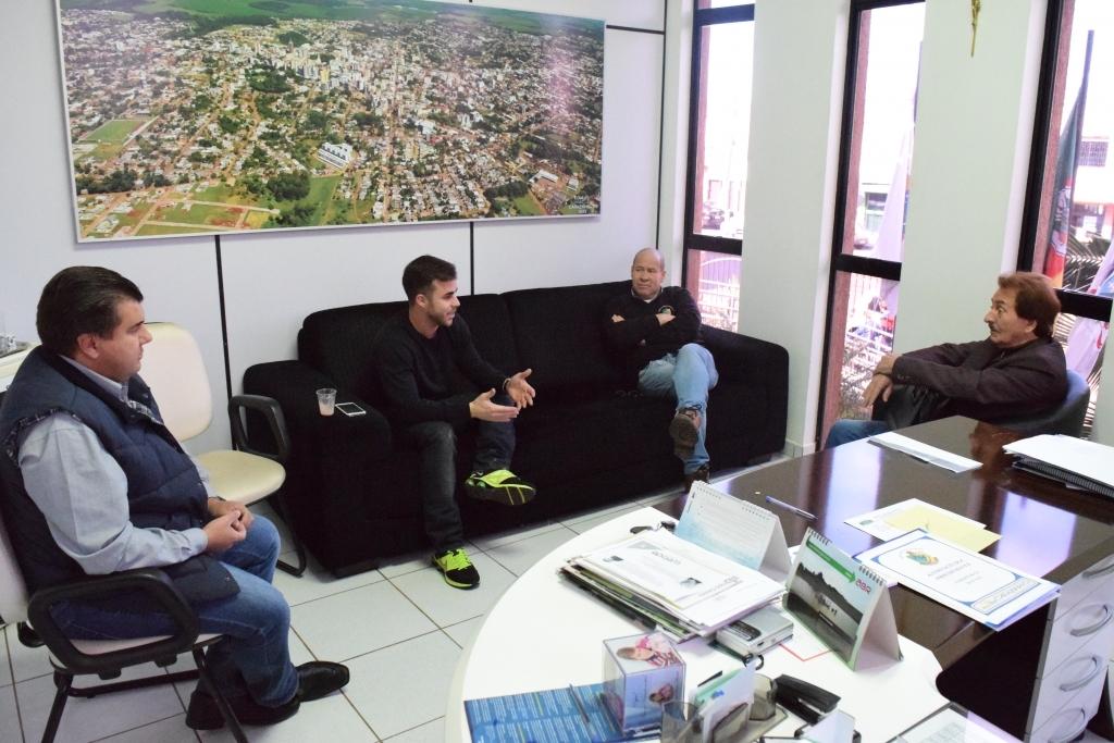 Comissão da saúde recebe denúncias sobre irregularidades no município