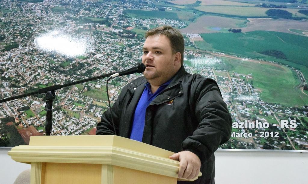 Vereador denúncia falta de medicamentos e exames ao Ministério Público