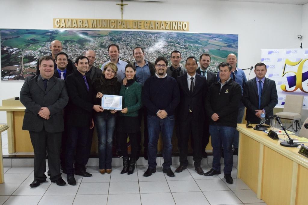 Aprovação do projeto sobre Sistema de Controle Interno e homenagem à CDL marcaram a sessão de segunda