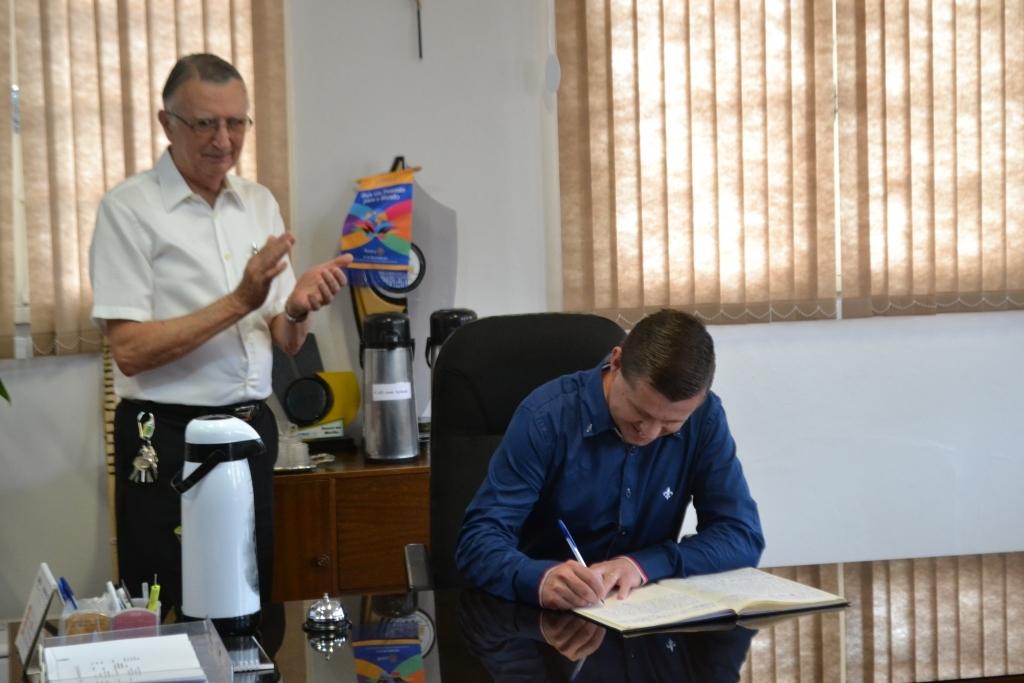 Gauchinho assume como prefeito por três dias