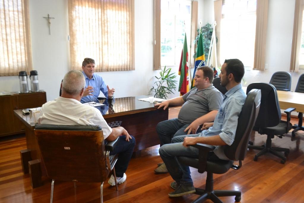 Presidente faz visita de cortesia ao prefeito municipal