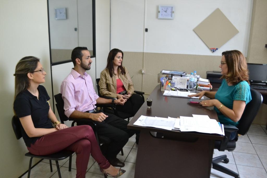 Vereadores buscam na assistênca social novo local para a instalação do MOFECOM