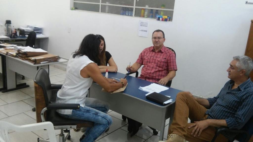 Vereador participa do lacramento dos envelopes para o Aldeia do Minuano
